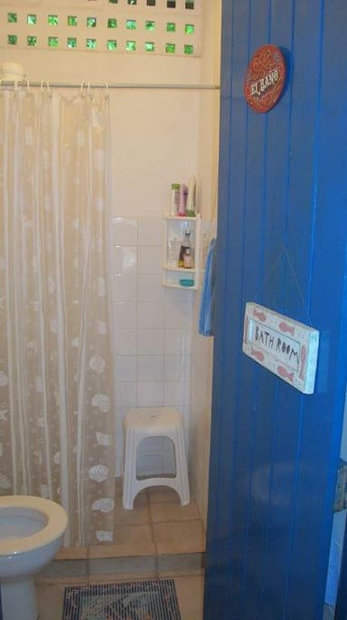 Banheiro/Shower-toilet
