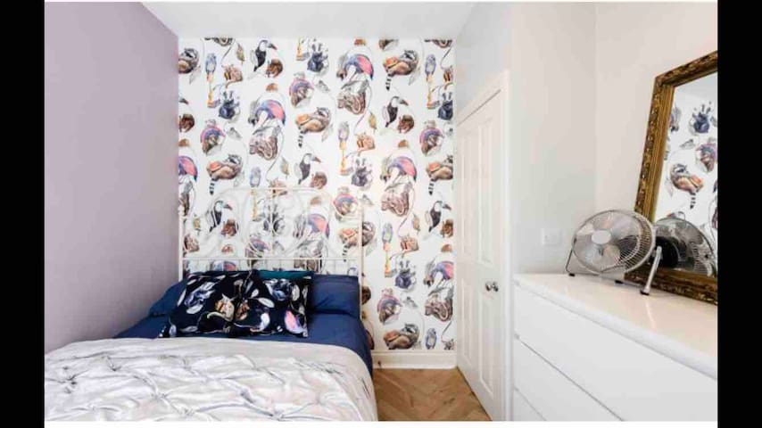 Boutique bedroom - Fulham - zone two