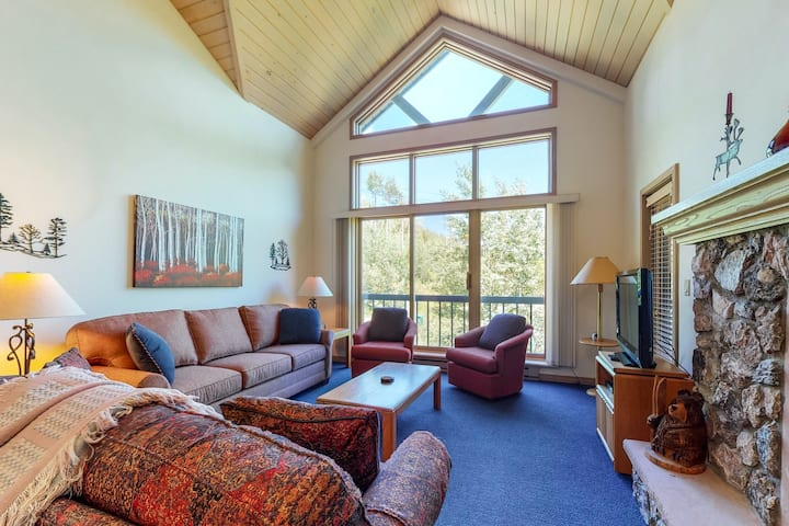 Lovely ski lift views from this ski-in/ski-out condo with shared hot tub & pool!