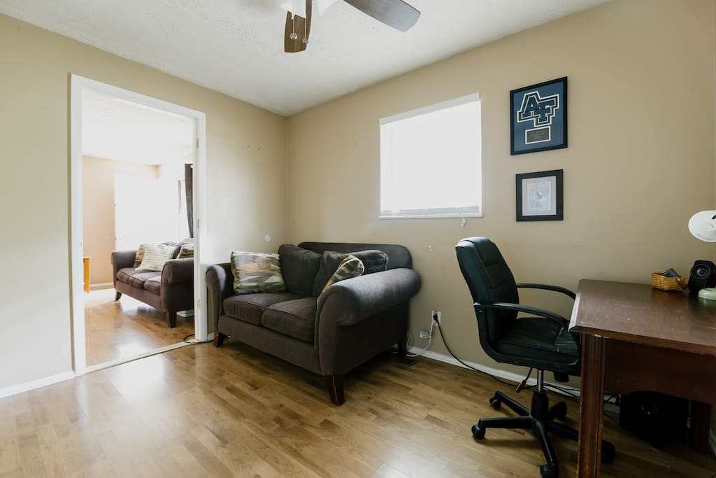 Cozy 1 2 Bedroom Apt Extended Stays Welcome Apartments For Rent In Dayton Ohio United States