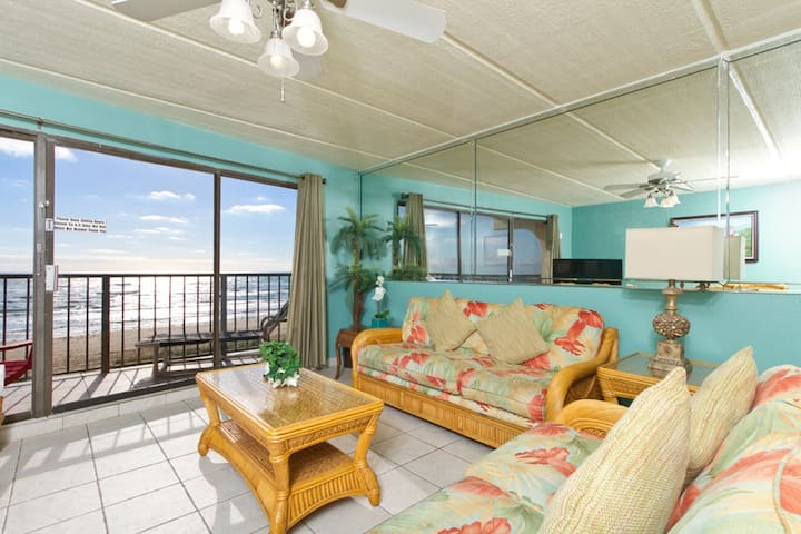 Beachfront 2 BR/2BA Sleeps 8 Owner  Special Save$$