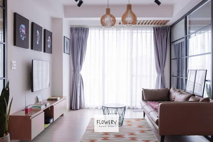 Flowery Home | Stylish Apt. near SECC & CIS