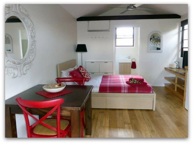 Naish Beach Cabin - Suffolk Park - Apartment