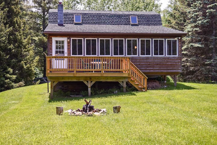 Livingston Manor Cabin w/Private Lake Access