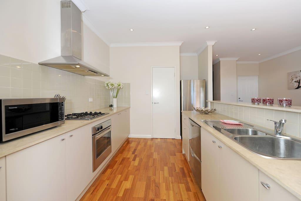 Gorgeous modern white kitchen