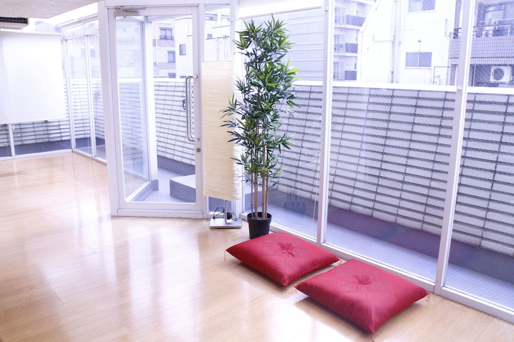 sunroom(free space for guest)
