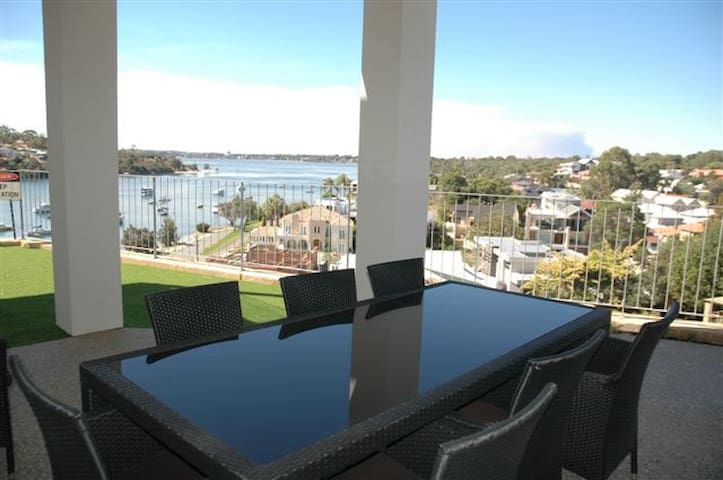 Fremantle Riverview Apartment - Bicton - Apartment