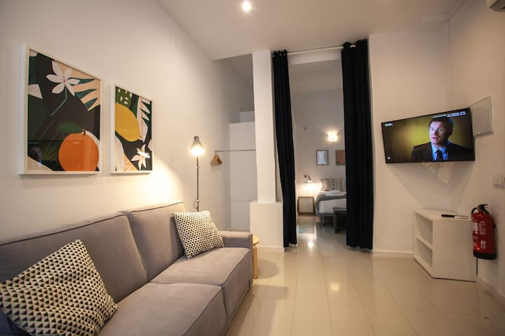 Studio apartment in the heart of Malasaña