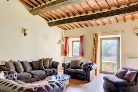 Stunning huge Villa in Tuscany!
