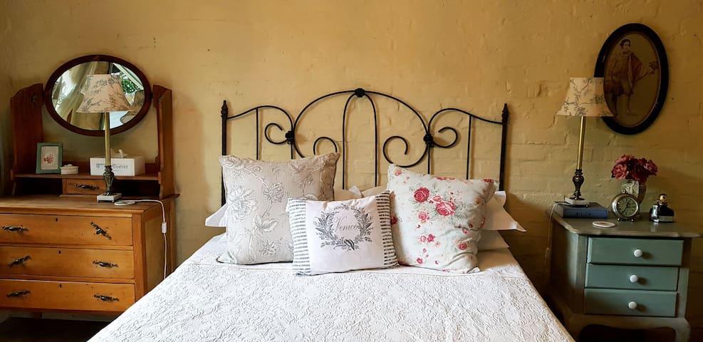 Room Bella Donna @ Castello Bella Vita