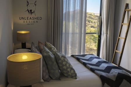 Stunning Private room with breathtaking views - Windhoek - Dům