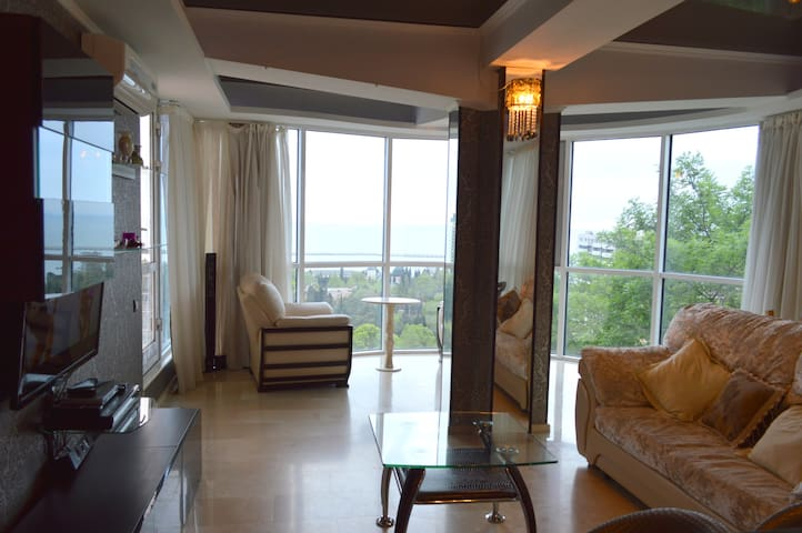 Amazing two bedrooms apartment! - Sochi - Apartemen