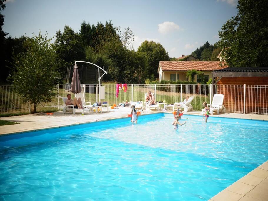 100m2 verwarmd zwembad!