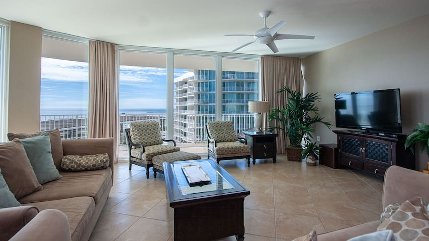 Unwind in the Spacious Four Bedroom Condo with Views of the Gulf of Mexico and Perdido Bay