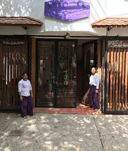 You Khin House, Charity-run guesthouse, room for 2 - Phnom Penh - 住宿加早餐