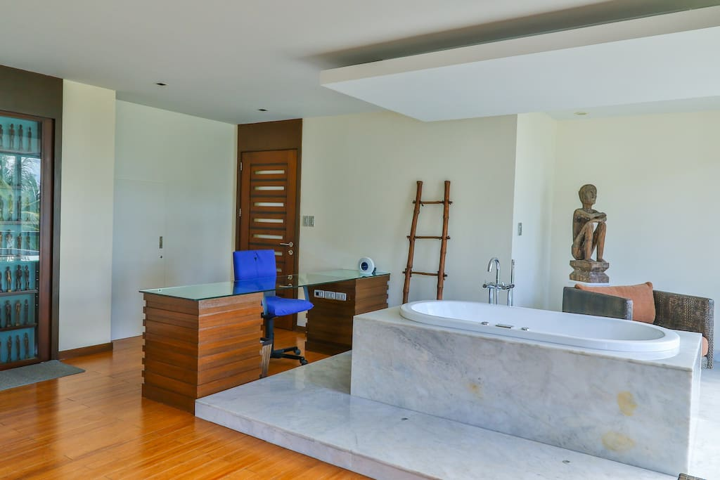 Jacuzzi with work table