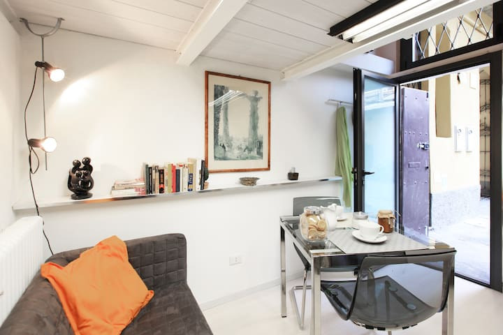 Studio in Navigli area