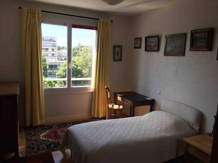 Chambre très calme. (Quartier Saint Félix)
