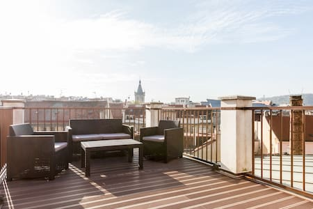 PENTHOUSE with CASTLE VIEW TERRACE!