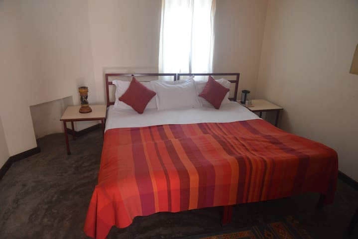 Double Room - No 1 - Garli Khas - Ev