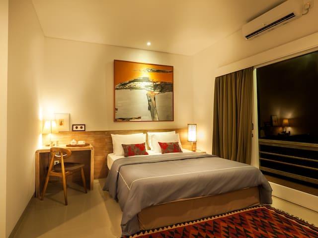 Umah Tantri a Homy 4BR House near Exotic Beaches - South Kuta - Casa