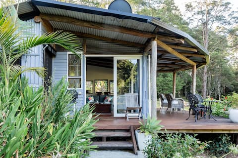 Escape to a Logger's Cabin in the Byron Hinterland
