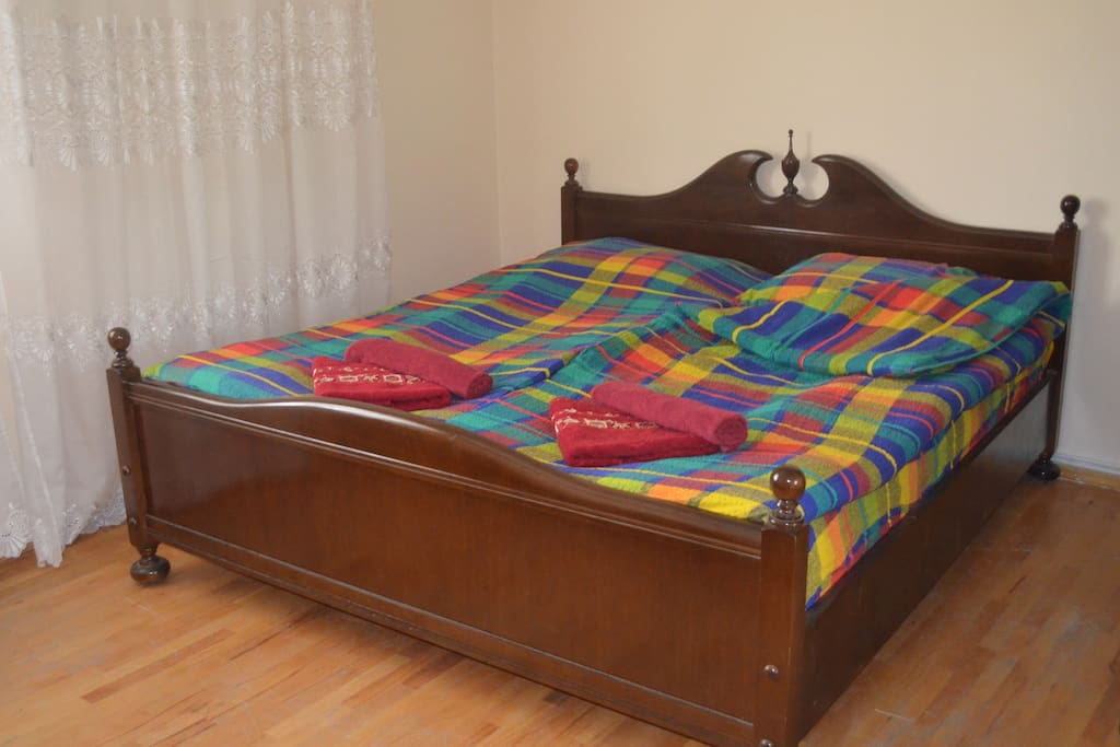 King-size bed in a triple room