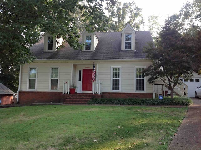 ** Close to Germantown **  Great Neighborhood