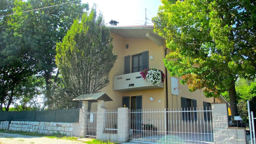 B&B La Casa del Picchio - Castelvetro Piacentino