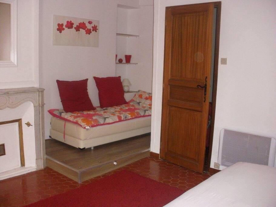 chambre d 39 hote avec petit d jeuner chambres d 39 h tes louer la seyne sur mer provence alpes. Black Bedroom Furniture Sets. Home Design Ideas