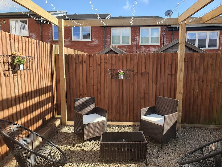Lovely, spacious 3 bed house above Penarth  Marina