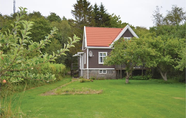 Stunning home in Särö with 2 Bedrooms