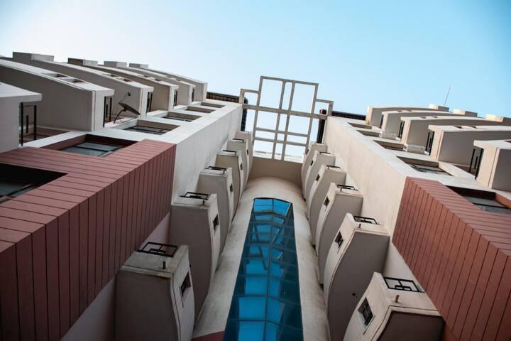 Colispaces. 3 bedroom unit (Service apartment)