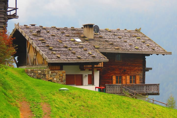 Idyllic mountain house - Ulten - House