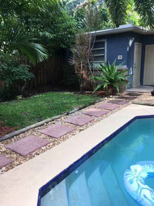 Cozy Delray Cottage Guesthouses For Rent In Delray Beach