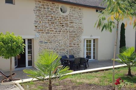 Grande maison de famille  au coeur du Jura - Mont-sous-Vaudrey