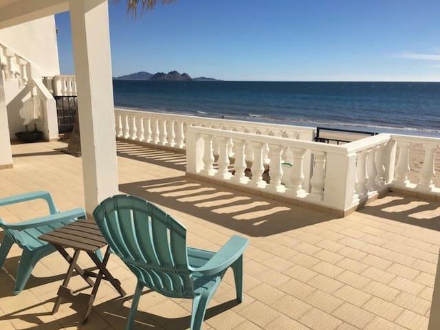 Casa Encantada patio home family heaven by the sea