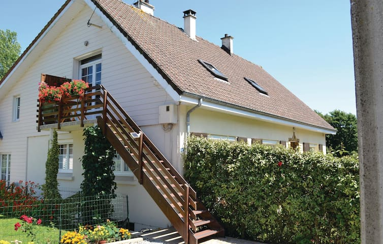 Holiday apartment with 1 bedroom on 50m² in Wirwignes