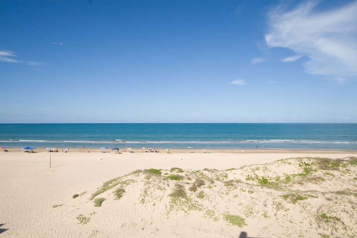 Beachfront 2BR/2BA Sleeps 6 #2