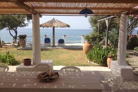 Villetta 4/5p. con spiaggia privata - Brolo