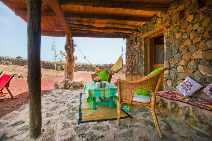 Beautiful and tranquil house surrounded by Nature. - Charco del Palo - Natur lodge