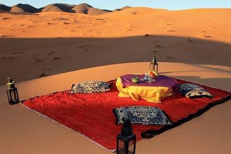Aladdin camp - Mhamid - Bed & Breakfast