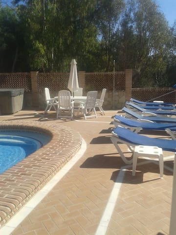 Algarrobo double bed apt- pool - Lagos - House
