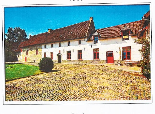 Brussels'airport/charming old farm - Vilvoorde - Huis