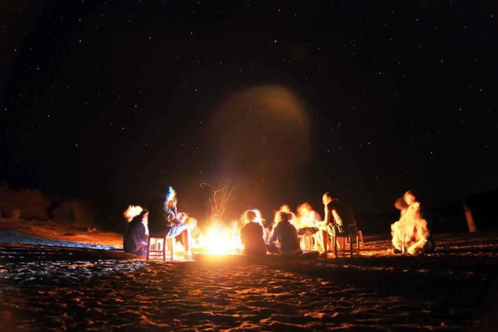 life desert music in L'erg Camp