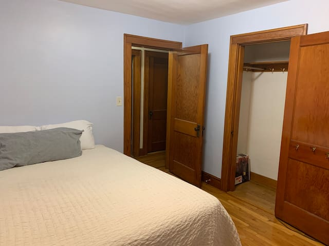 Bedroom Close to DHMC & Dartmouth College #1