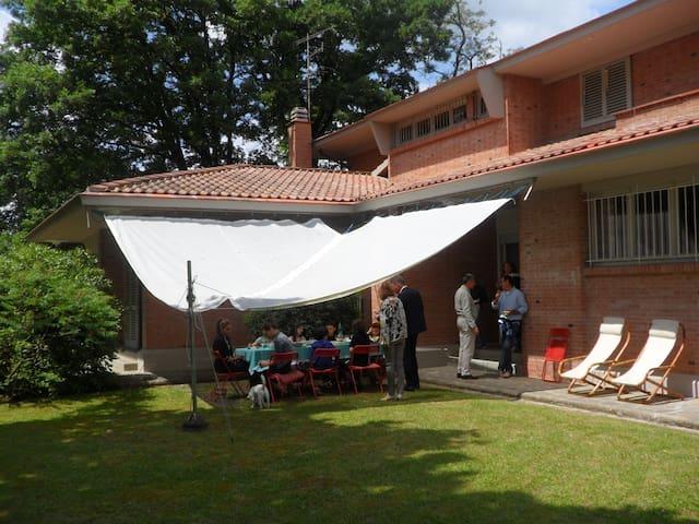 villa luminosa immersa nel verde - Empoli - Dom