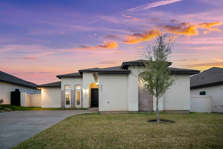 Perfect Relaxing Home located near Loop 20