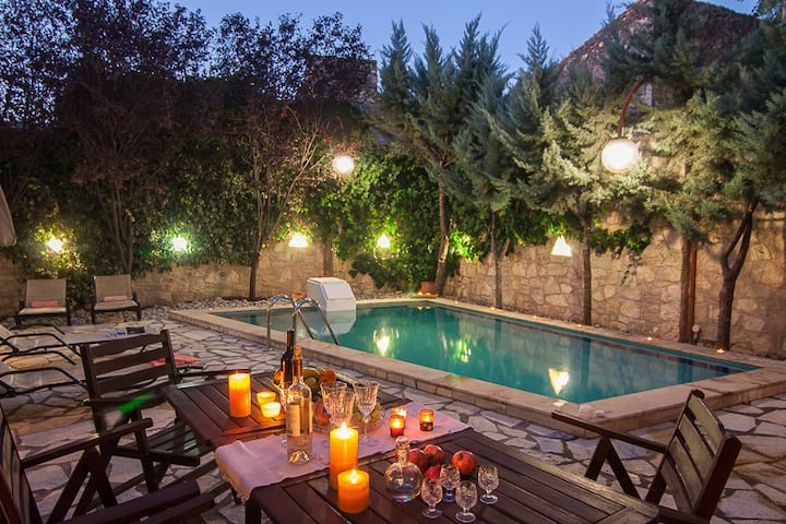 Villa Sarris, a country side villa!