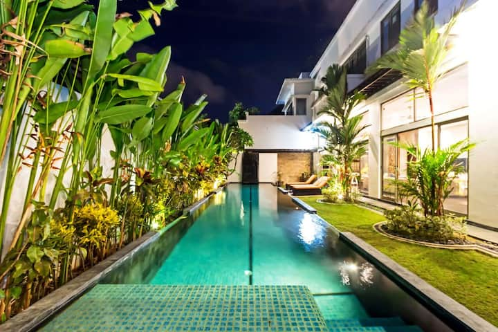 70% OFF - Villa Onyx 4 Bed on 3 levels